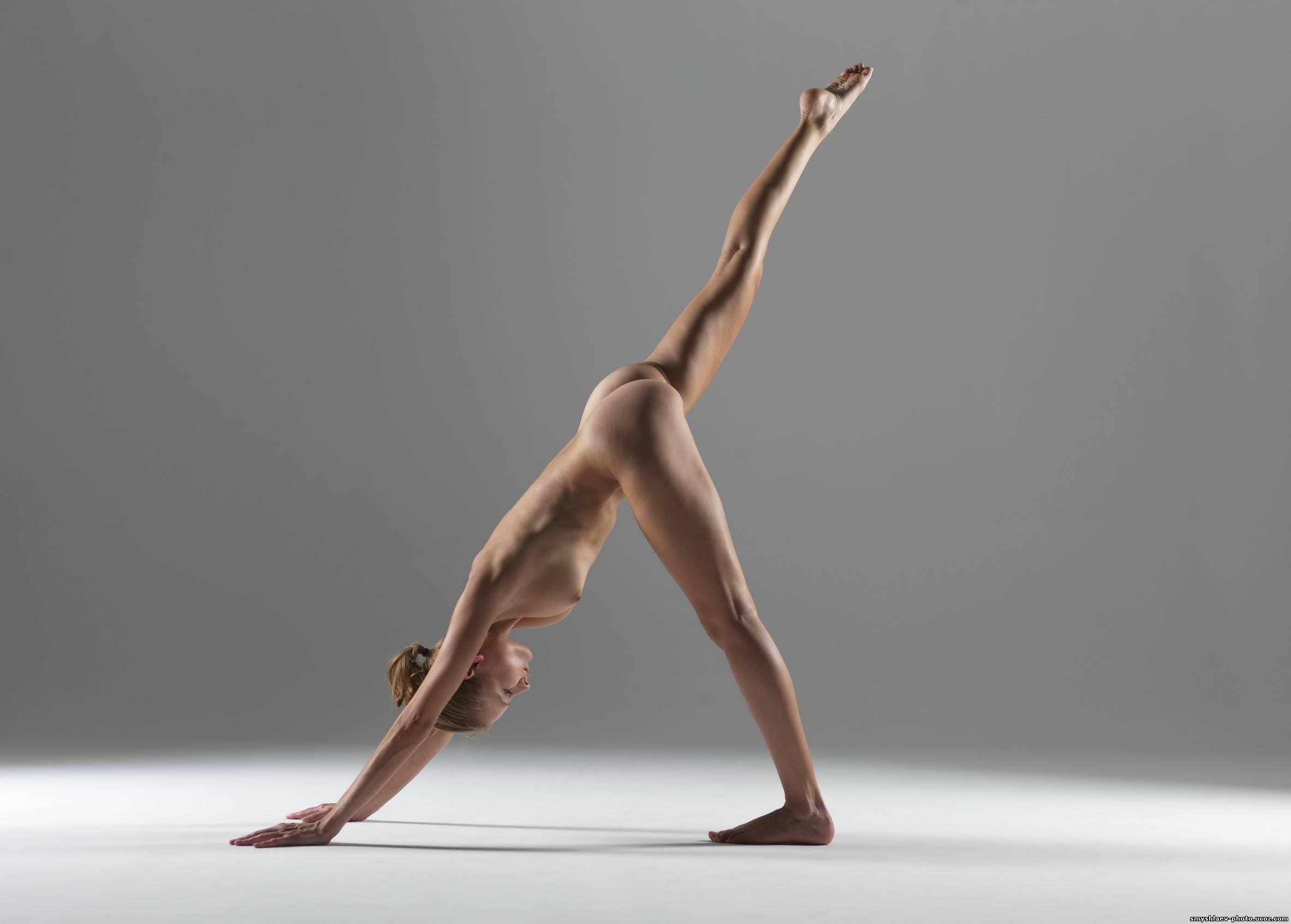 eroticheskaya-yoga-devushek